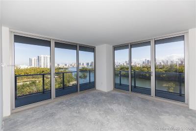 North Miami Beach Condo For Sale: 16385 Biscayne Blvd #607
