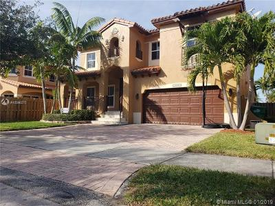 Miami Single Family Home For Sale: 15541 SW 30th St