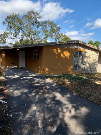 Lauderdale Lakes Single Family Home For Sale: 4341 W Oakland Park Blvd