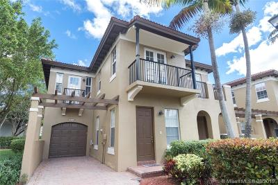 Coconut Creek Condo For Sale: 6911 Julia Gardens Dr #6911