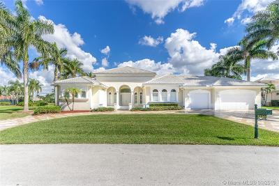Davie Single Family Home For Sale: 3150 W Stonebrook Cir