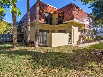 Coral Springs Condo For Sale: 4202 NW 114th Ter #02