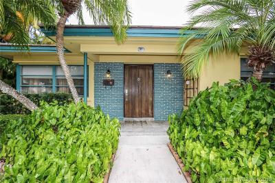 Hollywood Single Family Home For Sale: 1111 Van Buren St