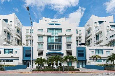 Miami Beach Condo For Sale: 7600 Collins Ave #712