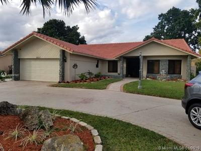 Coral Springs Single Family Home For Sale: 10017 NW 20th St