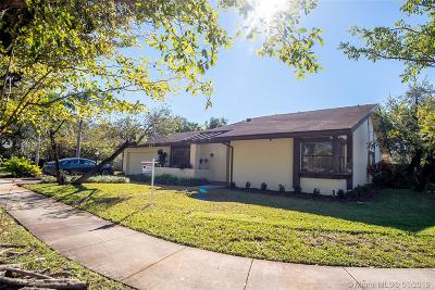 Single Family Home For Sale: 11410 SW 104th St