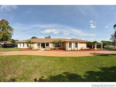 Single Family Home For Sale: 11905 SW 49th St