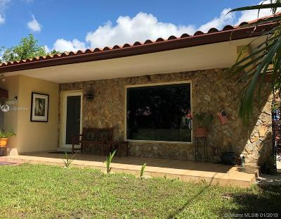 Single Family Home For Sale: 1830 SW 2nd Ct