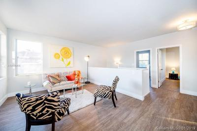 Hollywood Single Family Home For Sale: 1126 River Birch St