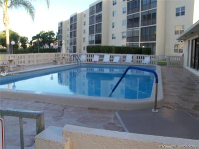 Dania Beach Condo For Sale: 190 SE 5th Ave #104