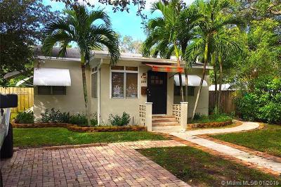 North Miami Single Family Home For Sale: 12310 NE 12th Ct