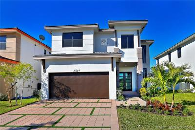 Miami Lakes Single Family Home For Sale: 15754 NW 88 Ave