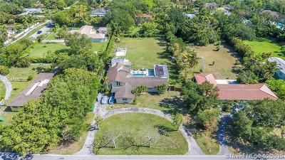 Pinecrest Single Family Home For Sale: 7601 SW 124th St