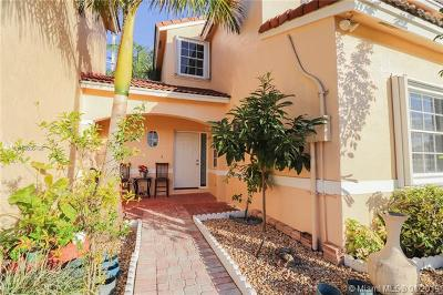 Pembroke Pines, Miramar Single Family Home For Sale: 721 NW 172nd Ter
