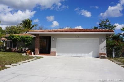 Tamarac Single Family Home For Sale: 8200 NW 66th Ter