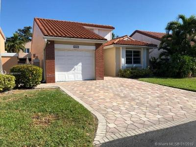 Miami-Dade County Single Family Home For Sale: 6325 NW 175 Ter