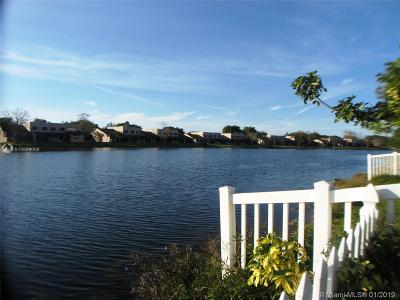 Pembroke Pines Single Family Home For Sale: 11977 NW 12th St