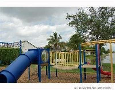 Pembroke Pines Single Family Home Active With Contract: 16259 NW 17th Ct