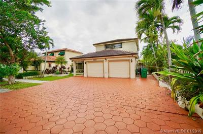 Miami Lakes Single Family Home For Sale: 15258 NW 88th Ct