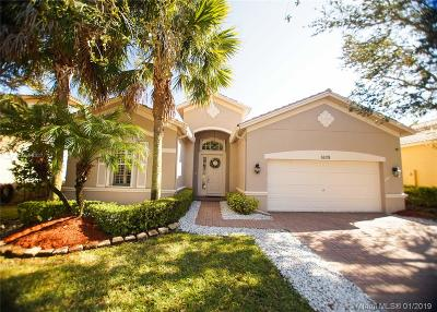 Weston Single Family Home For Sale: 4026 W Whitewater Ave