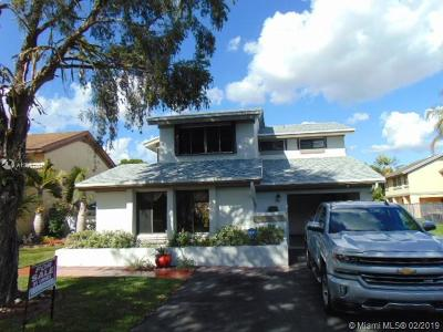 Davie Single Family Home For Sale: 8401 SW 41st St