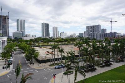 Midblock, Midblock At Midtown Miami, Midblock Condo, Midblock Miami, Midblock Miami Condo, Midblock Miami Condominiu, Midblock Miami Ph Unit, Midblock Midtown Rental For Rent: 3250 NE 1st Ave #318