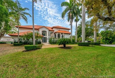 Coral Gables Single Family Home For Sale: 6910 Tulipan Ct