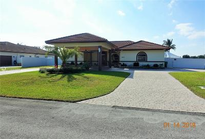 Miami Single Family Home For Sale: 16354 SW 275 Ter