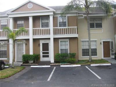 Cooper City Condo For Sale: 2856 S Cambridge Ln #2856