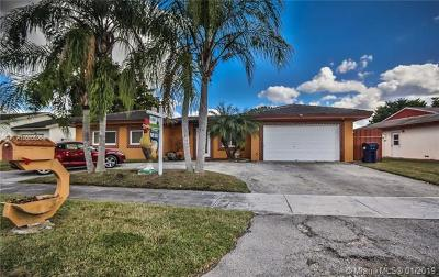 Miami Single Family Home For Sale: 4625 SW 140 Ct.