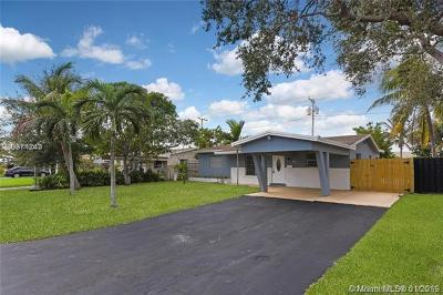 Oakland Park Single Family Home For Sale: 4361 NE 13th Ave