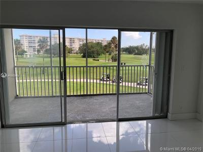 Condo For Sale: 2900 N Palm Aire Dr #301