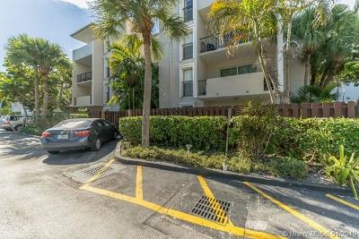 Pinecrest Condo For Sale: 6884 N Kendall Dr #C202