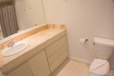 Miami Beach Condo For Sale: 5445 Collins Ave #604