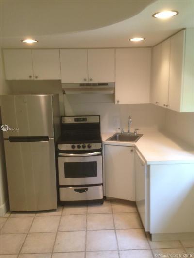 Miami Beach Condo For Sale: 901 Euclid Ave #9