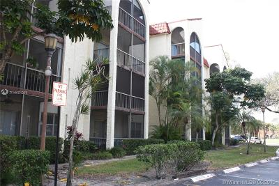 Broward County Condo For Sale: 3360 Spanish Moss Ter #104