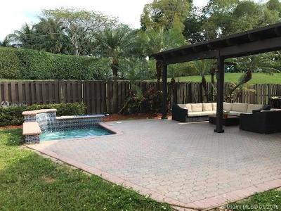 Doral Single Family Home For Sale: 5845 NW 112th Ct