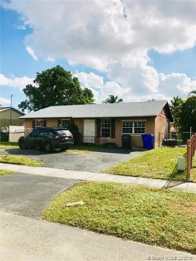 North Lauderdale Single Family Home For Sale: 8150 SW 7th Ct