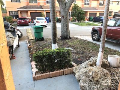 Miami Gardens Condo For Sale: 3359 NW 197th Ter #3359