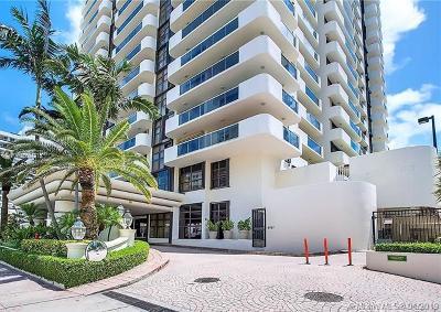 Miami Beach Condo For Sale: 5757 Collins Ave #2302