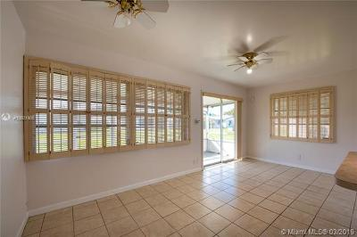 Plantation Single Family Home For Sale: 8220 NW 16th St
