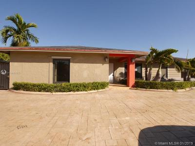 Miami Single Family Home For Sale: 13505 SW 82nd Ter