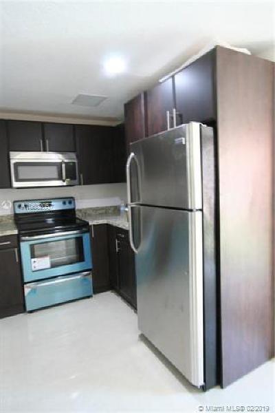Miami Gardens Condo For Sale: 21006 NW 39th Ave #21006