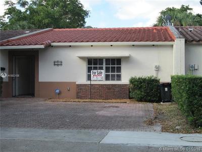 Miami Lakes Condo For Sale: 7328 Jacaranda Ln