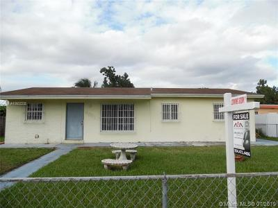 Miami Gardens Single Family Home For Sale: 4851 NW 185th Ter