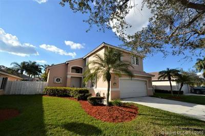 Pembroke Pines Single Family Home For Sale: 322 SW 193rd Ave