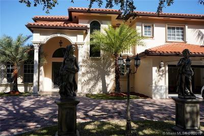 Miami Lakes Single Family Home For Sale: 8425 NW 169th Ter