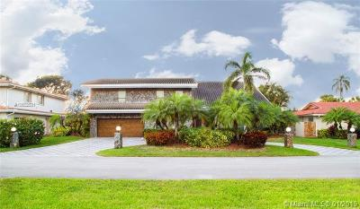 Plantation Single Family Home For Sale: 451 W Lake Dasha Dr