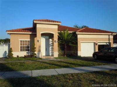 Miami-Dade County Single Family Home For Sale: 17297 NW 88th Pl