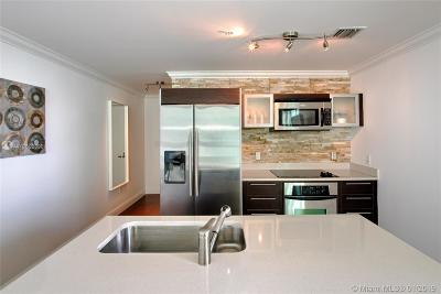 Quantum On The Bay, Quantum On The Bay Condo, Quantum On The Bay Condo N, Quantun On The Bay Condo For Sale: 1900 N Bayshore Dr #3703